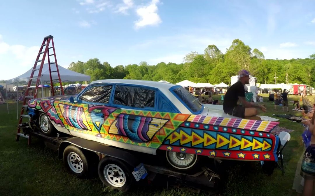 Chris Dyer Timelapse of painting the 62 caddy at Pyro 2021